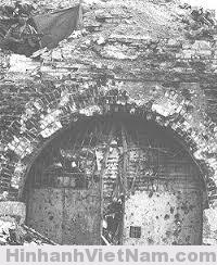 cổng sau thành cổ xưa