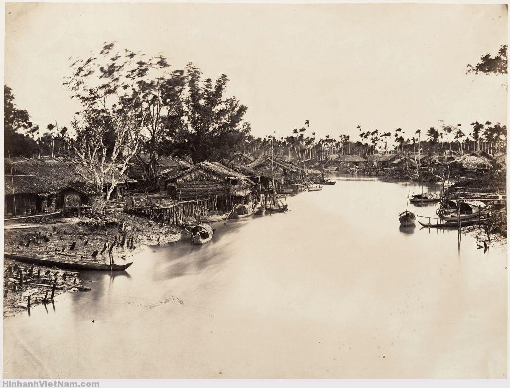 Cảnh Thành phố của người Hoa (Chợ Lớn). Hình do nhà nhiếp ảnh Pháp Emile Gsell chụp năm 1866.