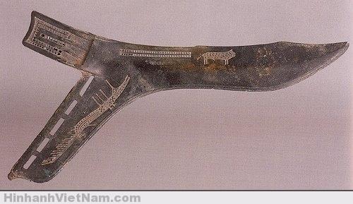 lưỡi qua là phát minh đặc trưng của người Việt và đc người TQ sử dụng rất nhiều trên chiến trường