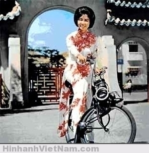 Những nhà buôn xe moped thời đó đã tập trung khai thác vào phụ nữ...