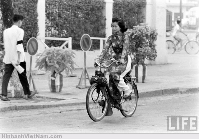 Solex trên đường phố Sài Gòn