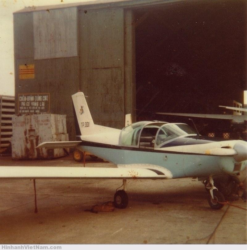 Chiếc máy bay đầu tiên được chế tạo tại Việt Nam, nó được sản xuất ở 3 căn cứ khác nhau và được ráp khâu cuối ở Tân Sơn Nhất.