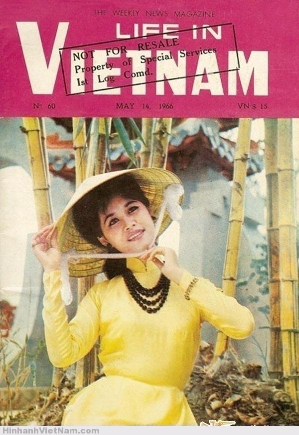 LIFE IN VIETNAM - The Weekly News Magazine - May 14, 1966 Tuần báo tin tức ĐỜI SỐNG TẠI VN. Số 66 ra ngày 14/5/1966. Giá 15$ VN. Phía sau lưng cô gái là cổng Lăng Ông, có lẽ đây chỉ là một ảnh ghép.