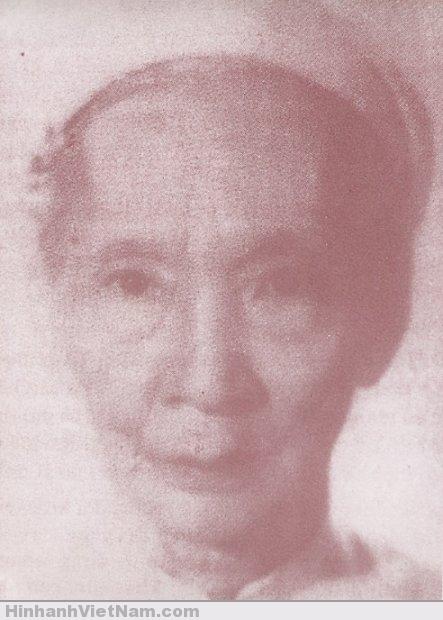 Bà vương phi Mai Thị Vàng, một trong những thứ phi của vua Duy Tân (năm 72 tuổi)