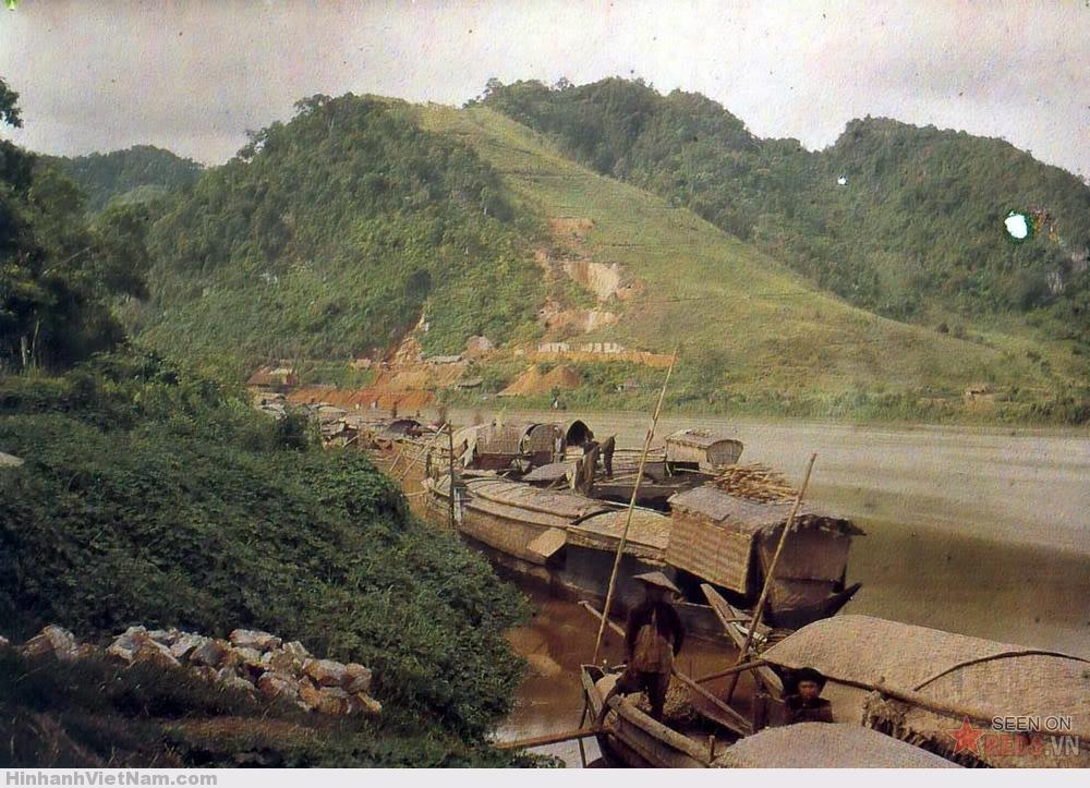 Những con thuyền gần một mỏ đồng, 1915.