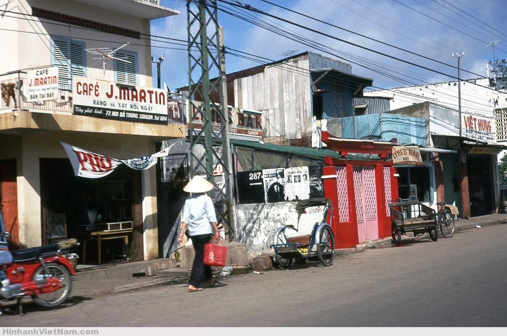 Tiệm cà phê rang xay trên đường Hai Bà Trưng (quận 01)