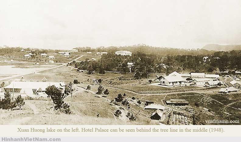Quang cảnh khu vực hồ Xuân Hương ngày trước và khách sạn Palace Đà Lạt