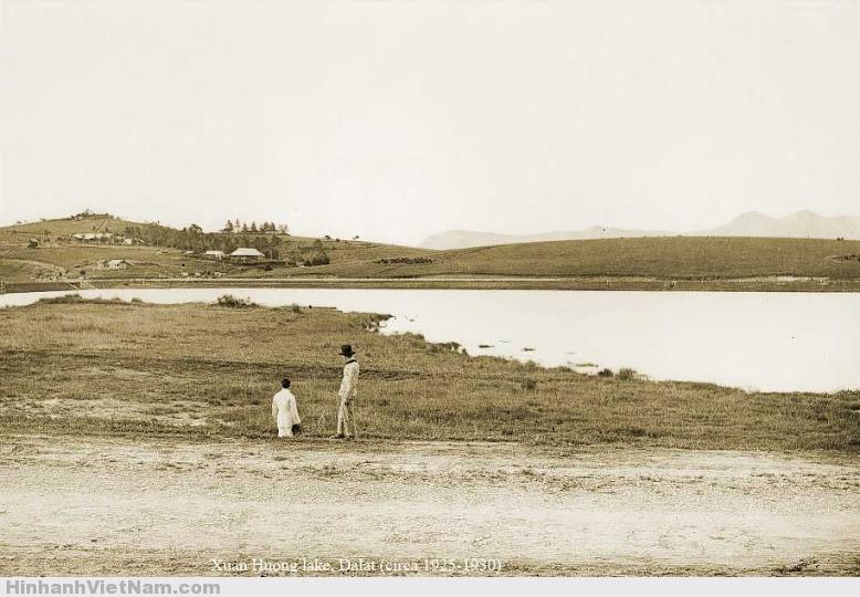 Một phần Hồ Xuân Hương, sau này sẽ mọc lên những sân Gôn, những hàng rào vây quanh.