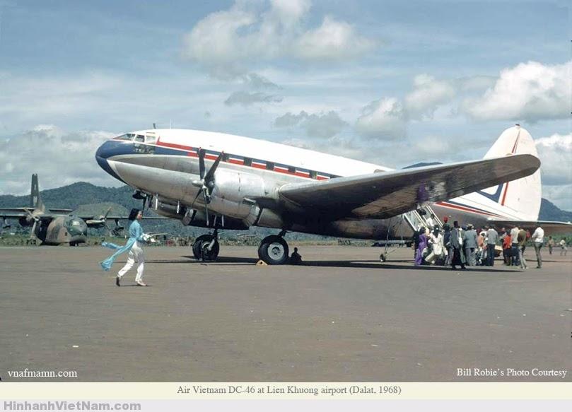Một chuyến bay sắp cất cánh tại Liên Khương