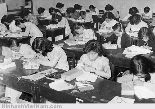 Sài Gòn xưa còn các cuộc thi nữ công gia chánh nhân ngày lễ như thêu, nấu ăn, viết văn…