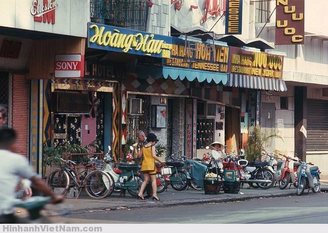 Trên 1 con phố Sài Gòn có các quán bar trứ danh