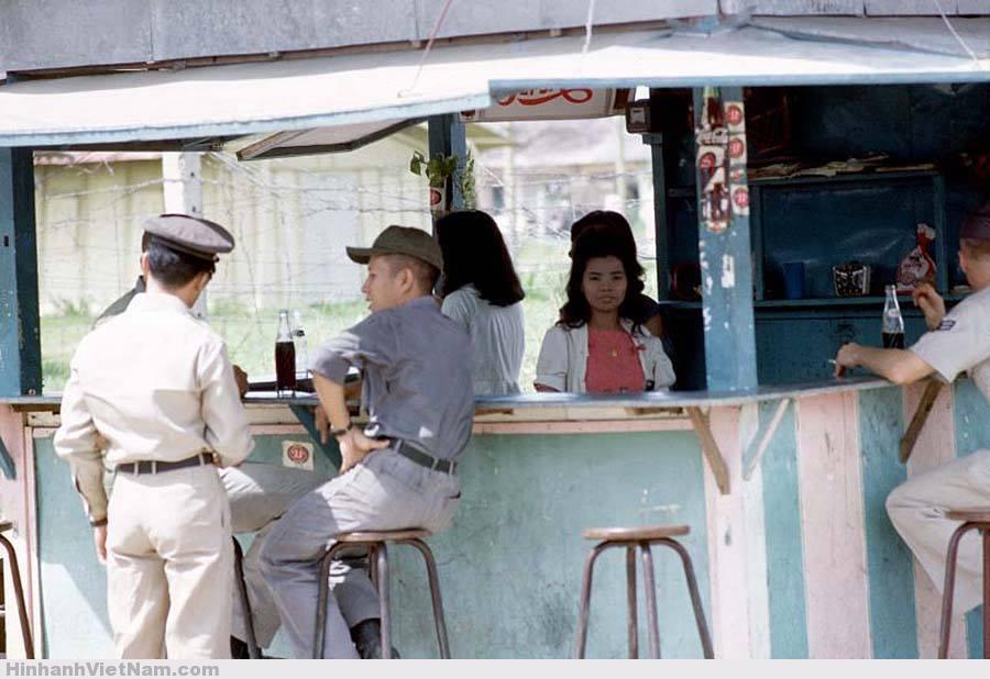 gai diem - gai goi sai gon - cave vietnam xua - ban dam truoc nam 1975 (101)