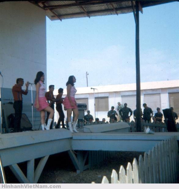 gai diem - gai goi sai gon - cave vietnam xua - ban dam truoc nam 1975 (15)