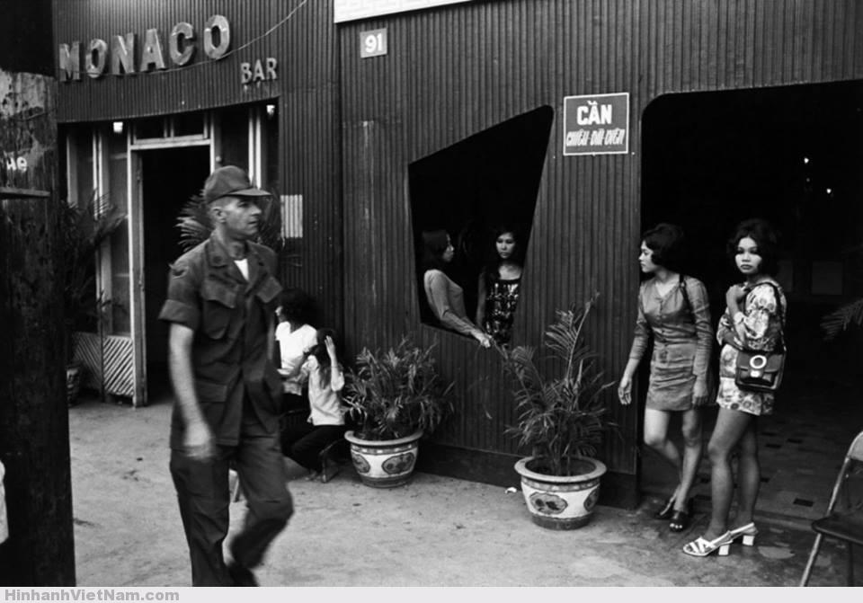 gai diem - gai goi sai gon - cave vietnam xua - ban dam truoc nam 1975 (53)
