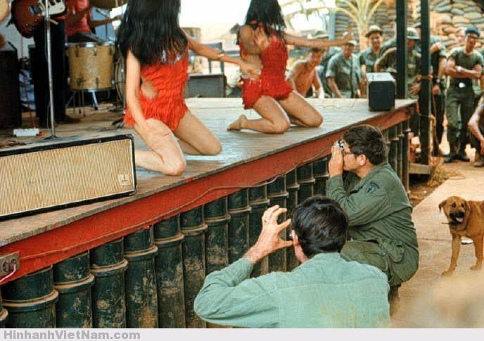 gai diem - gai goi sai gon - cave vietnam xua - ban dam truoc nam 1975 (79)