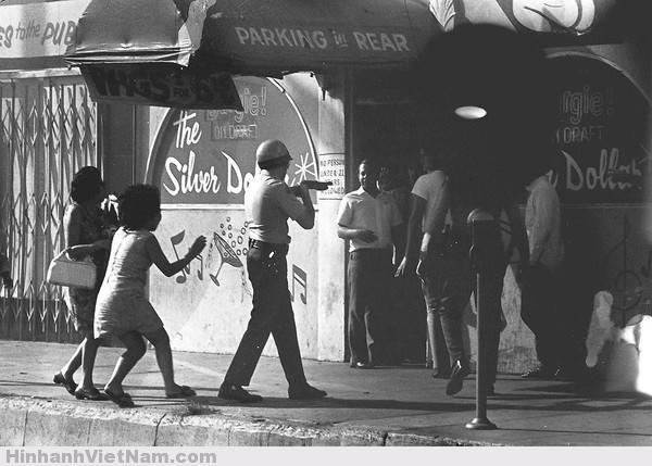 gai diem - gai goi sai gon - cave vietnam xua - ban dam truoc nam 1975 (92)