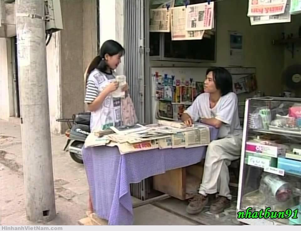 PHIM : CẦU THANG NHÀ A26 Không còn bàn cãi gì độ hay của phim này.Nó được xếp vào dạng phim kinh điển của điện ảnh Việt Nam.Trong phim còn có sự góp mặt của cố diễn viên Trịnh Thịnh.Đây là một bộ phim đáng xem,dành vào những dịp quây quần cùng gia đình ^.^