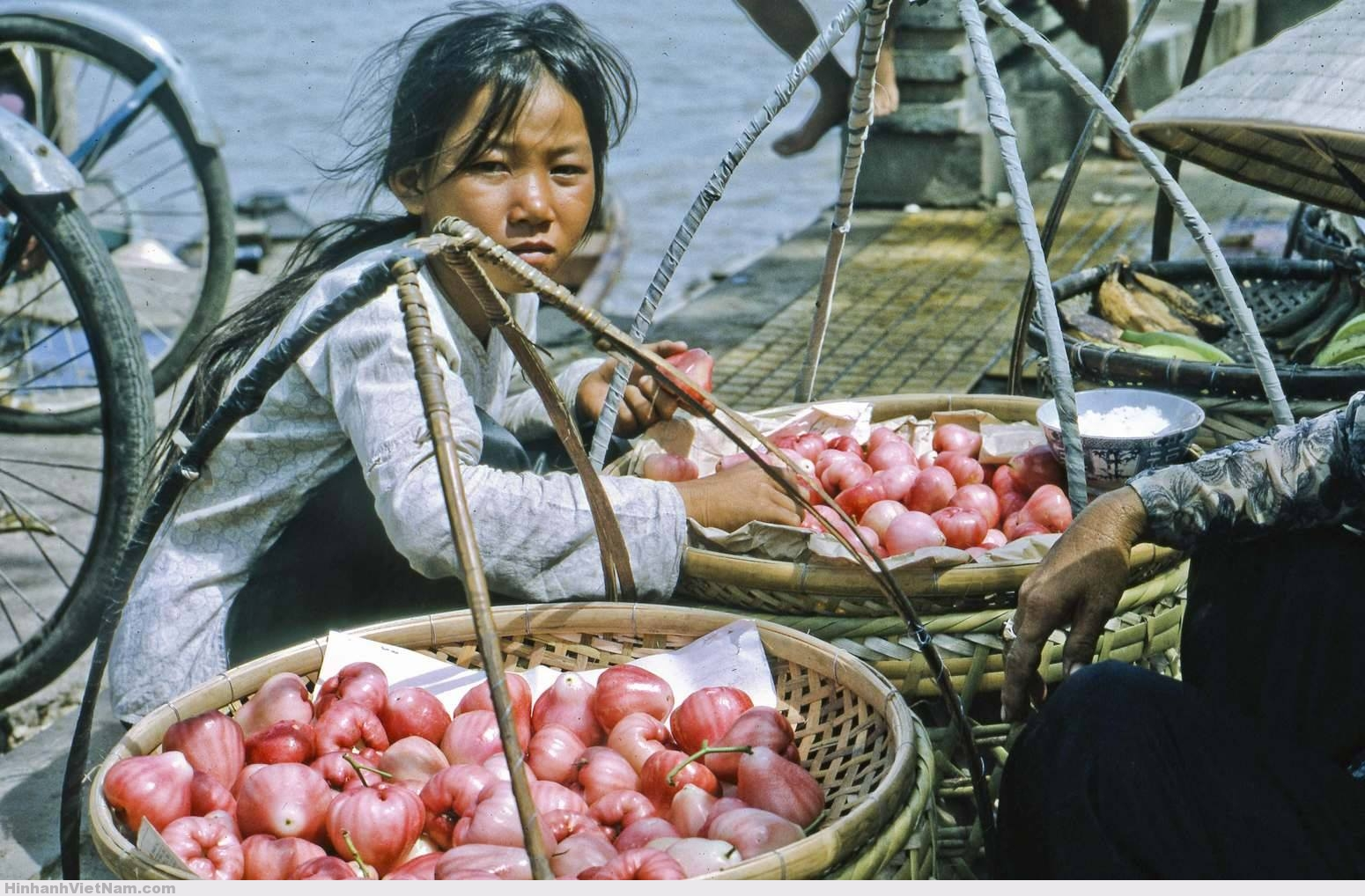streetlife vietnam - anh dep viet nam xua - sai gon  truoc nam 1975 , VIETNAM PHOTO, , Ảnh đời thường cực đẹp về Miền Nam những năm 1968-1969, saigon xua, con nguoi vietnam