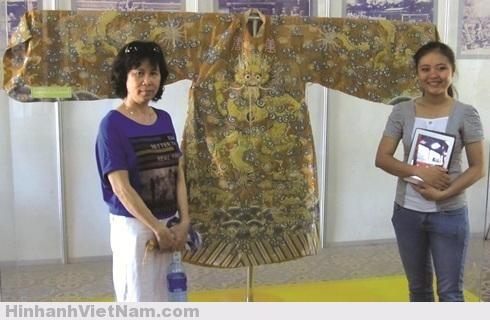 Bí ẩn áo bào của các vua nhà Nguyễn