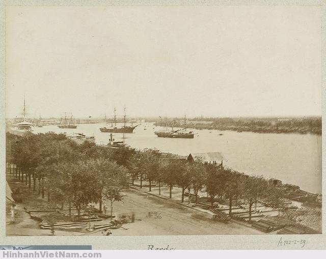 Ships on the port of Saigon 1888  tàu trên sông SG