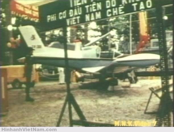 Buổi giới thiệu chiếc máy bay đầu tiên do Không quân Việt Nam chế tạo.