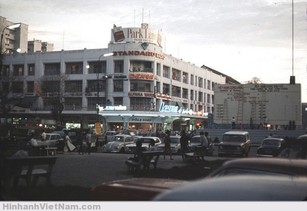 Sài Gòn đã lên đèn