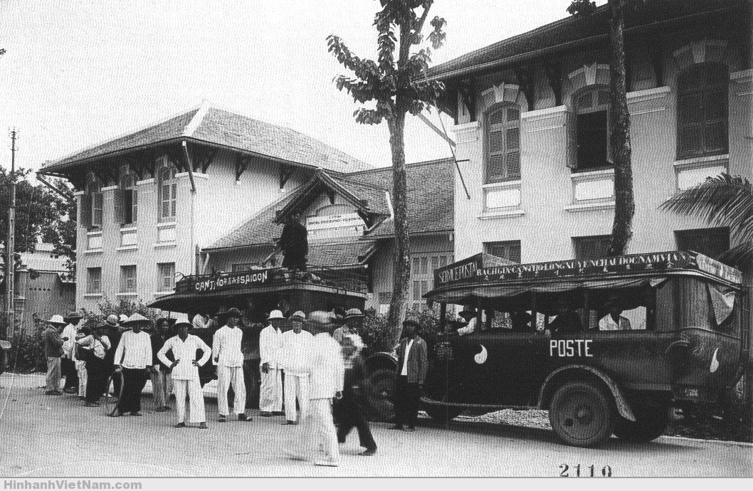 Một đoàn xe chở thơ Saigon Can-Tho
