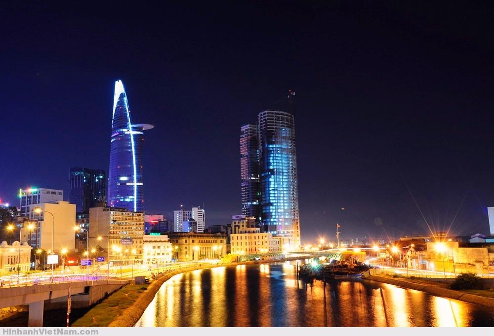Sài Gòn về đêm . Nguồn: internet