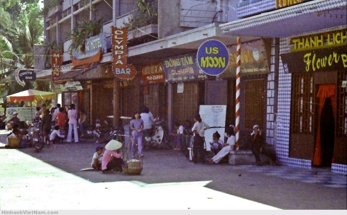 gai diem - gai goi sai gon - cave vietnam xua - ban dam truoc nam 1975 (69)