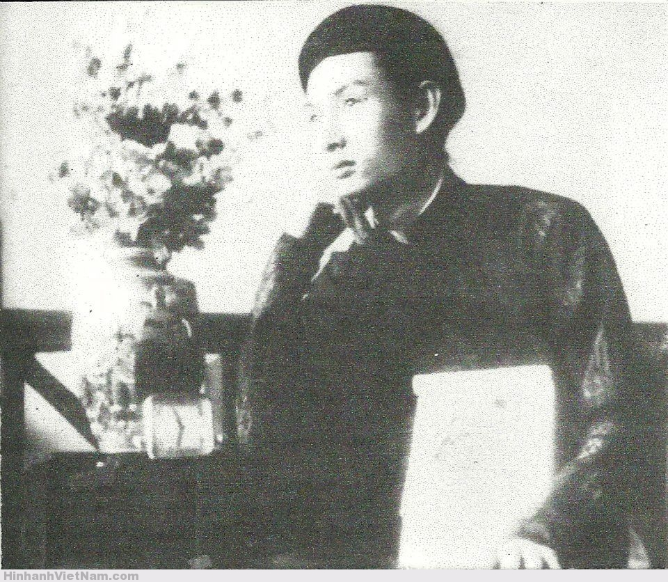 Hình ảnh: Đức Thầy tại Văn Phòng đường Lefèbre (Nguyễn Công Trứ) Saigòn, năm 1943