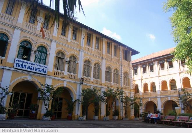 Ký ức về những ngôi trường nổi tiếng Sài Gòn