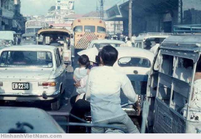 Phương cách di chuyển người Việt xưa